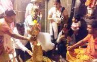 पिंपळे सौदागर येथील महादेव मंदिरात दर्शनासाठी भाविकांच्या रांगा