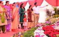 फळे, फुले, बागा प्रदर्शनाचा नागरिकांनी लाभ घ्यावा - महापौर काळजे