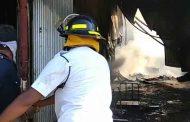 चिखलीतील लाकडाच्या गोदामाला आग; बेकायदा दुकानांवर कारवाईची मागणी