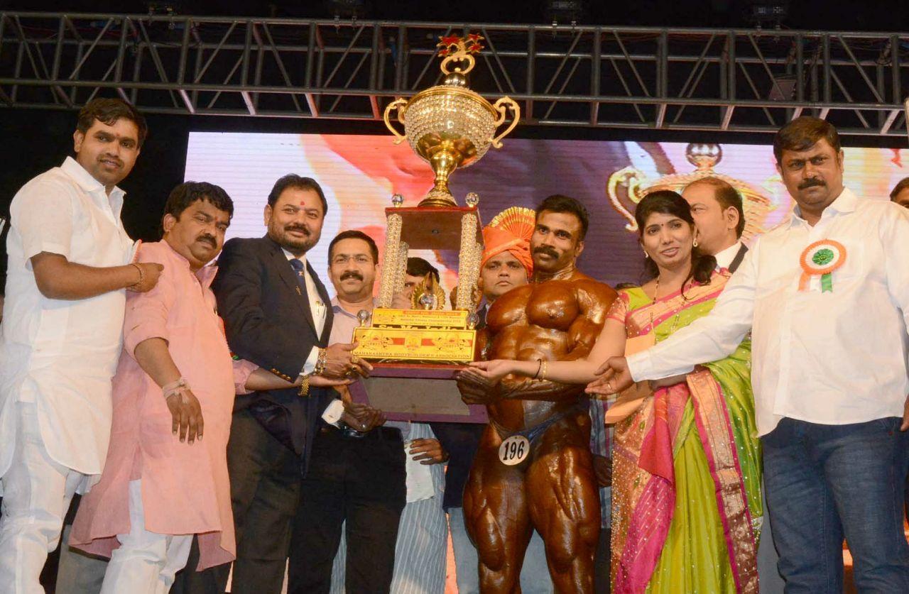 मुरलीकुमारने पटकाविला 'पिंपरी चिंचवड महापौर चषक भारत श्री 2018'चा किताब; महाराष्ट्र संघाला सांघिक विजेतेपद