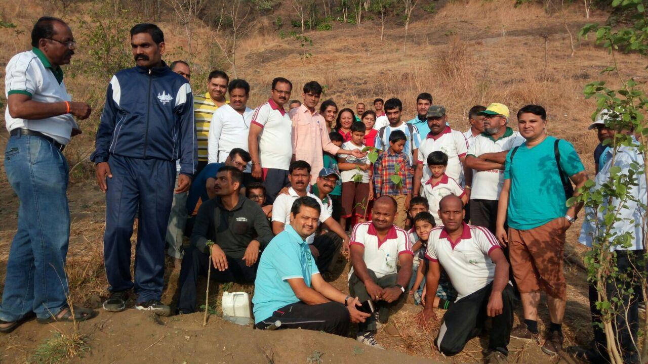 राजस्थानच्या 'ट्री मॅन'चे घोरावडेश्वर डोंगरावर श्रमदान