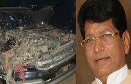 माजी मंत्री बबनराव पाचपुते यांच्या गाडीला अपघात