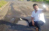 बांधकाममंत्री चंद्रकांत पाटीलांनी कोल्हापूर-मुंबई महामार्गावरील खड्ड्यांची दिवसा पहाणी दौरा करावाः नगरसेवक नाना काटेंची टिका