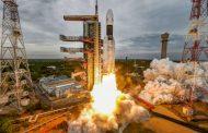 चांद्रयान-२ झेपावले