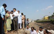 जलसंपदामंत्री गिरीश महाजन यांनी मुठा कालवा बाधित भागातील नागरिकांशी साधला संवाद